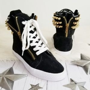 Betsey Johnson sneakers black suede gold spikes 7